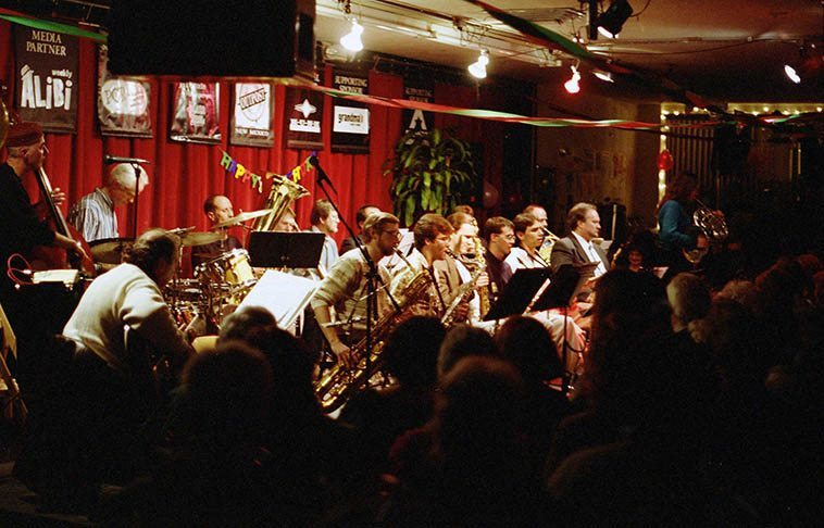 ORJO at Outpost Performance Space (pre-2000 location) December 16, 1996 -- Justine Flynn soloing on French horn -- photo by Mark Weber