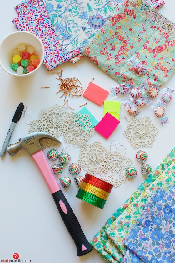 Pretty Satchels Advent Calendar DIY Craft. Make the countdown to Christmas more fun! MarlaMeridith.com ( @marlameridith )
