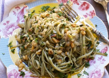 Linguine with Shallots, Garlic and Pine Nuts recipe. This vegan dish can be on the table in less than 20 minutes! marlameridith.com ( @marlameridith )
