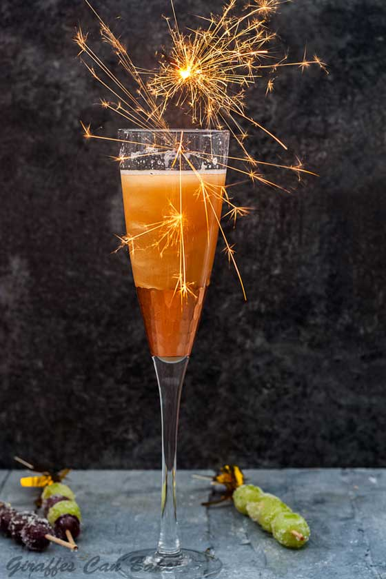 Try this gorgeous Shimmery New Year's Eve Cocktail to ring in 2019! recipe by A Tipsy Giraffe