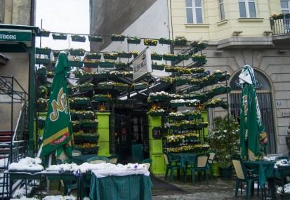 Kafana (um exemplo das autênticas tavernas Servias)