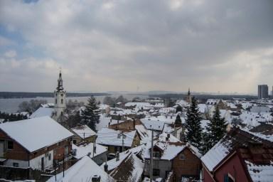 Vista sobre a vila, sobre Belgrado e para o danúbio