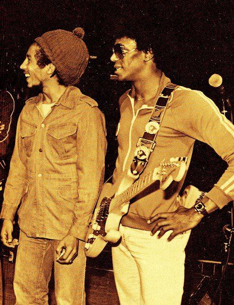 BOB MARLEY & JUNIOR MARVIN.
