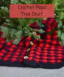 FREE Crochet Christmas Tree Skirt Pattern-Crochet Plaid Tree Skirt
