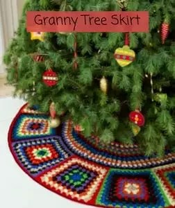 Free Crochet Christmas Tree Skirt Pattern-Granny Tree Skirt