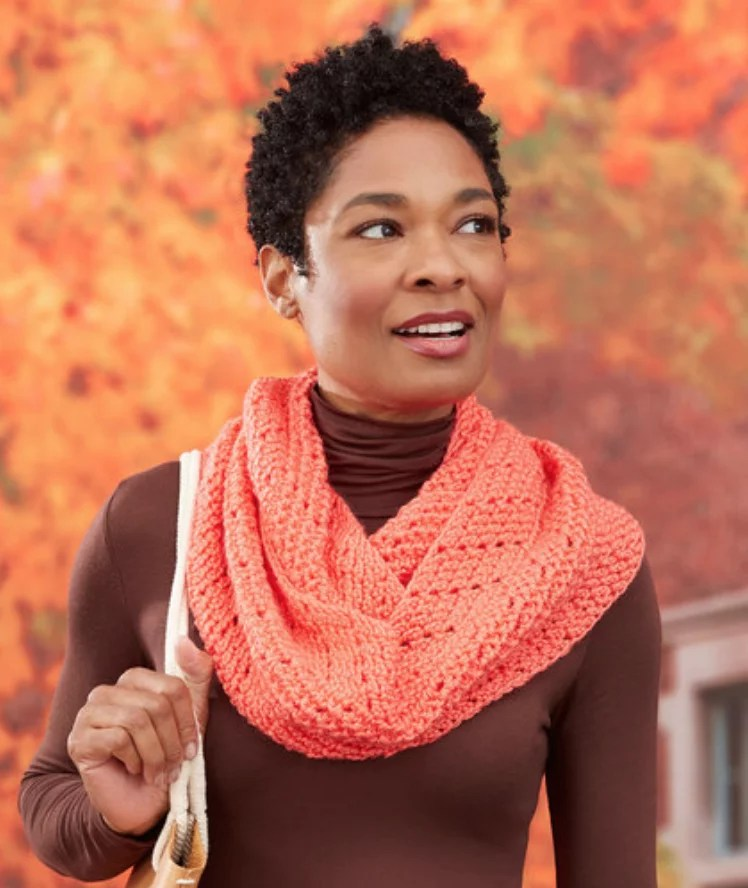 FREE Crochet Chevron Herringbone Cowl-Pantone color of the year Living Coral