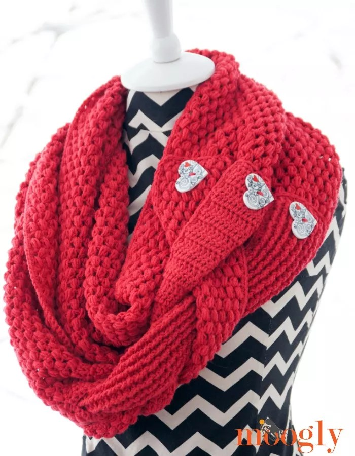 Madly In Love Cowl by Moogly-FREE Crochet Valentine Pattern