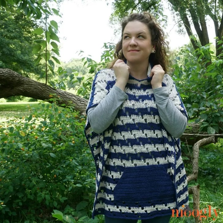 Moogly-Chic Moves Poncho-Chic Sheep Yarn-Chic Sheep FREE Patterns