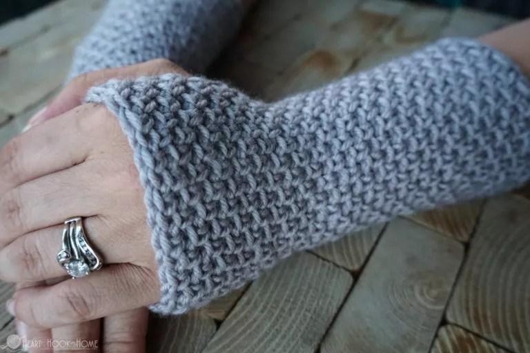 Heart Hook Home-Texting Gloves-Chic Sheep Yarn-Chic Sheep FREE Patterns