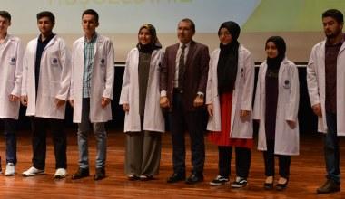 SAÜ Tıp Öğrencileri Beyaz Önlük Giydi