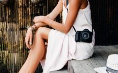 Beyaz elbiselerinizle fark yaratmanın 5 yolu