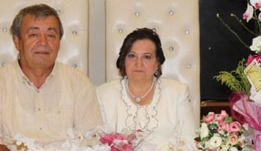 Mutlu arkadaşlıklarını; evlilikle taçlandırdı