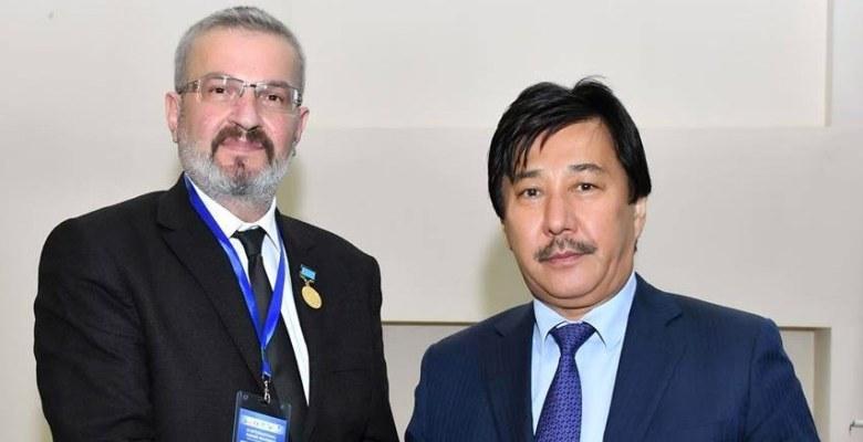 Uluslararası Bilim Ödülü BUÜ'den Prof. Dr. Aydınlı'ya