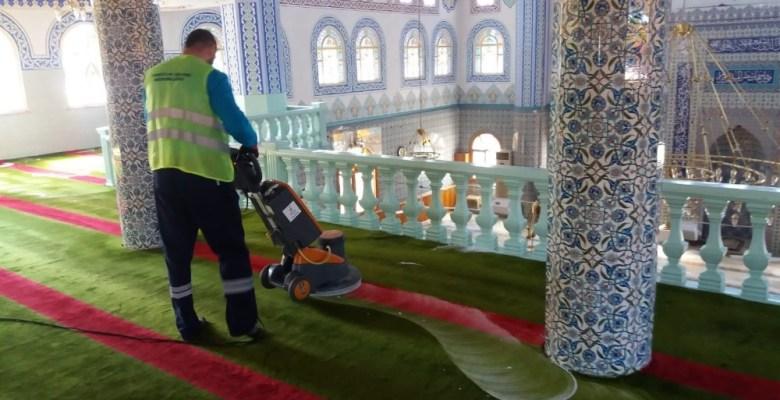 Darıcada Camilerde Ramazan Temizliği Yapılıyor
