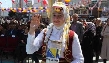 Esenler'de 10. Barış Ekmeği Festivali renkli görüntülere sahne oldu