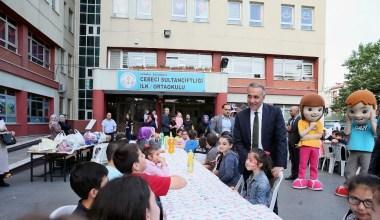 Başkan Dursun öğrencilerle iftarda buluştu