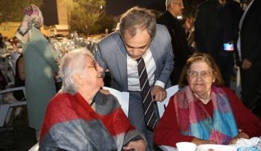 İBB, huzurevi sakinleri ve gönüllüleri iftarda buluştu