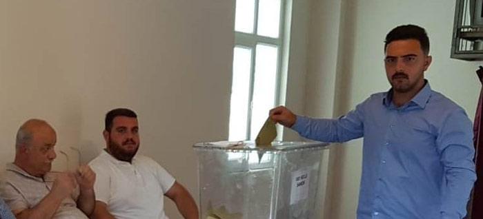 Sapanca'da tekrarlanan seçimde muhtarlık babadan oğula geçti