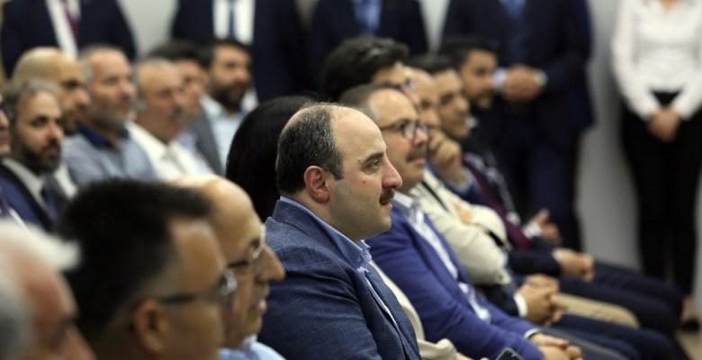 """Bakan Varank'tan iş dünyası ve Anadolu'daki kobilere çağrı: """"Teknoloji ve dijitalleşmeye yatırım yapın"""""""