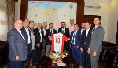 Balıkesirspor yönetimi Vali Yazıcı'yı ziyaret etti