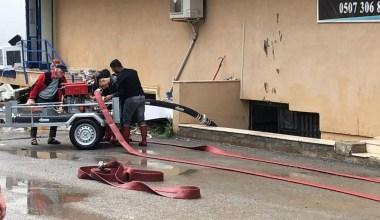 Darıca'da yoğun yağmur sel ve baskınlara neden oldu