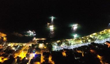 Balıkçılar 'Vira bismillah' dedi, binlerce kişi sahilden el salladı
