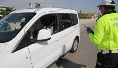 Balıkesir'de polis sürücülere alkol denetimi yaptı