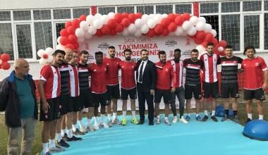 Balıkesirspor yeni transferler için imza töreni düzenledi