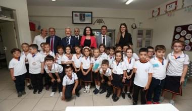 Başkan Erdem öğrencilerin heyecanını paylaştı