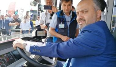 Büyükşehir daha konforlu ulaşım için 25 otobüsü bünyesine kattı