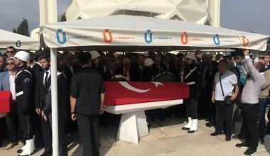 Eski bakanlar Ali Topuz ve Orhan Birgit son yolculuklarına uğurlandı