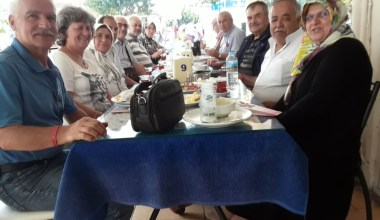Okul arkadaşları 47 yıl aradan sonra bir araya geldi