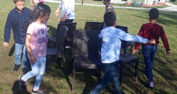 Öğrenciler, Sevgi evlerinde kalan 15 çocuğu ağırladı