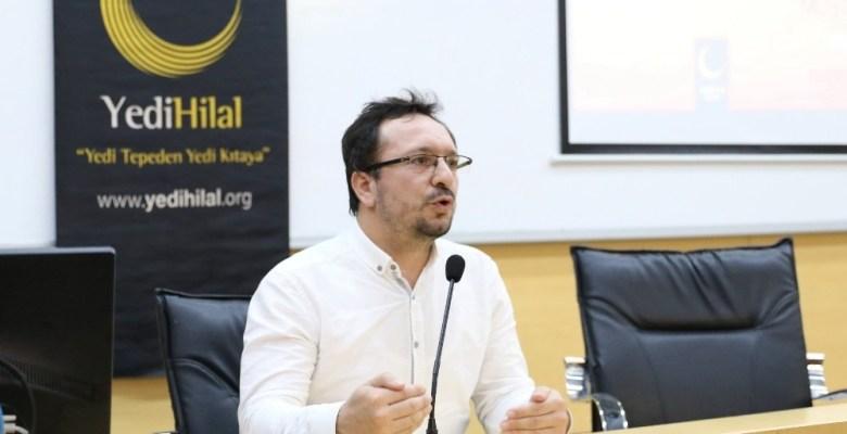 SAÜ'de 'Sosyal Medyanın İnsanlar Üzerindeki Etkin Yönlendirme Gücü' adlı konferans düzenlendi