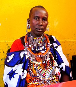 Kenya'da bir Masai yerlisi. Onun ataları kuzeye yönelmek yerine, güneye Kenya savanlarına göç etmiş. / A Masai native in Kenya. His ancestors headed south to the Kenya savannas instead of going North.