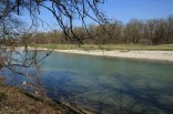 The Isar from its left bank