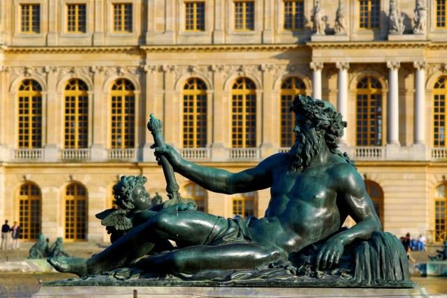 DSC_6561-Statue_of_Neptune_at_Versailles