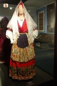 """Robe traditionnelles de la marié qu'on appelle """"Is Maurreddus"""""""
