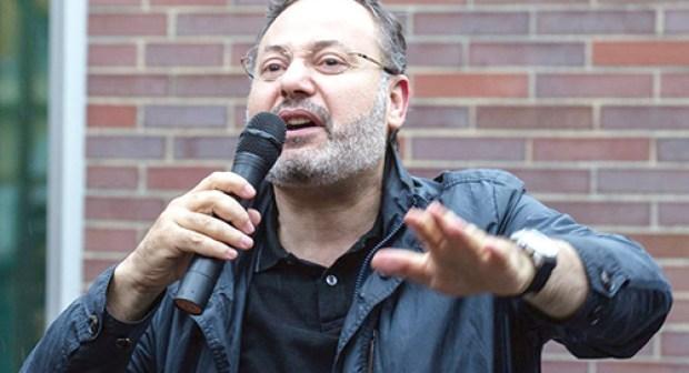 Le journaliste d'Al-Jazeera Ahmed Mansour agresse la presse marocaine