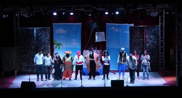 مهرجان تموايت : رحلة القراصنة لفرقة ( Dies'Art) تمتع أطفال المؤسسات التعليمية بورزازات