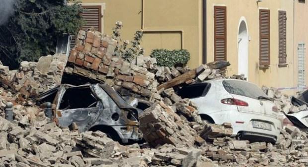 زلزال يضرب وسط إيطاليا مخلفا قتلى وجرحى