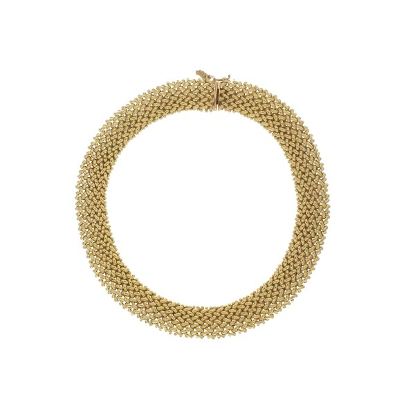 Necklace in yellow gold.