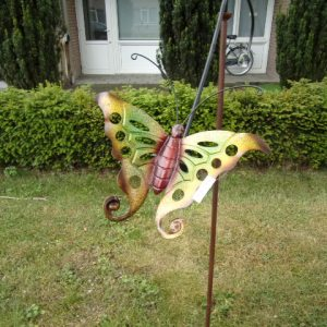 Gekleurde vlinder op draaistang-0