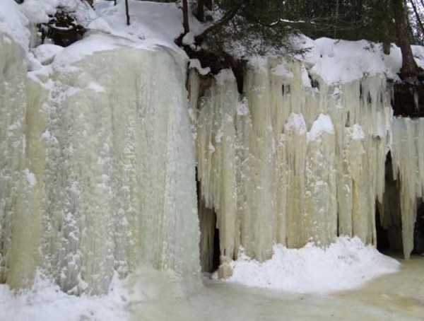 Eben Ice Caves2