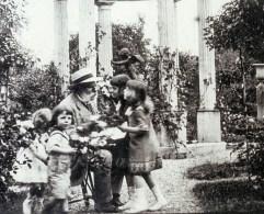 Jules Gravereaux et ses petits-enfants (AAVLH)_wp