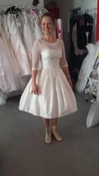 kurzes Brautkleid aus Seide nach Maß