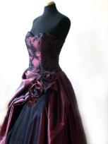 Brautkleid aus Taft und Spitze