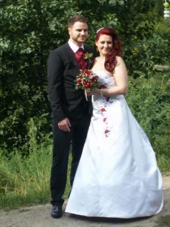 Brautkleid weiß-rot