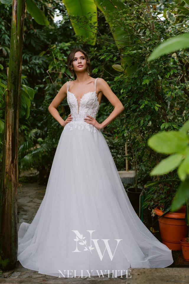 Brautkleid mit Glitzer-Korsage und Tüll, Rückenausschnitt