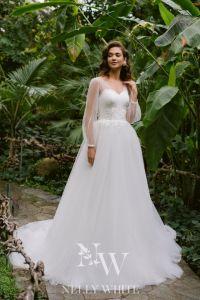 Brautkleid mit Ärmel und Tüllrock